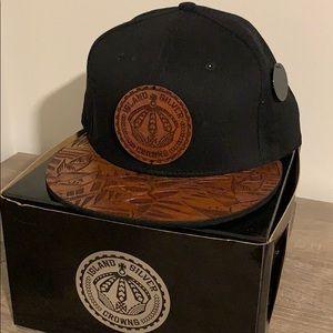 NWT Island Silver KOA Hat